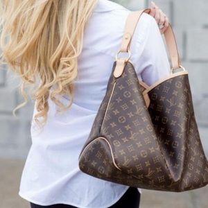 🌺✨STUNNING✨🌺 Delightful Shoulder bag